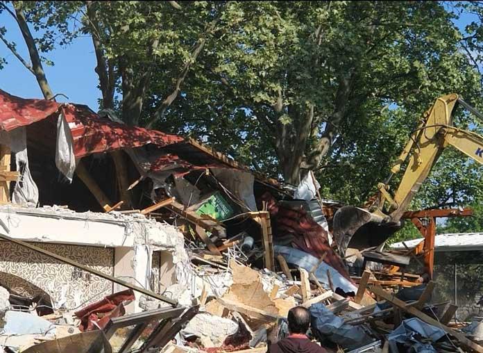 Primăria Sectorului 4 a demolat unul dintre restaurantele din Parcul Orășelul Copiilor/ Cum a ajuns Nicușor Dan să conteste decizia
